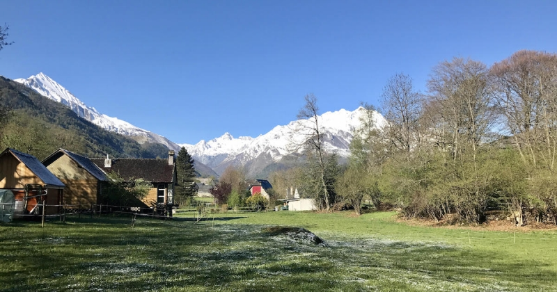 quitter-la-ville-pour-vivre-montagne-maison-ecologique-autonome1